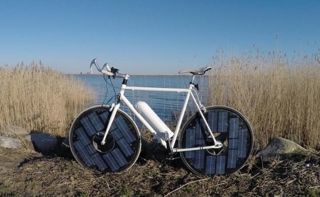 Esta bicicleta eléctrica no necesita enchufes, sólo la luz del sol
