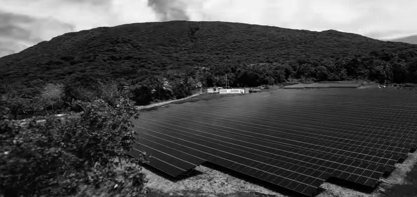 Tesla cubre toda la demanda de electricidad en una isla del Pacífico con paneles solares